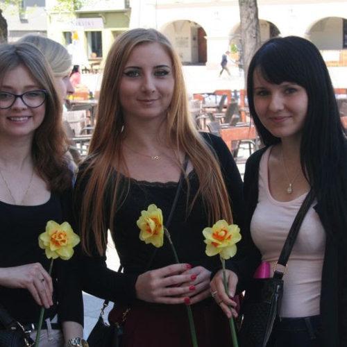 Uczniowie SP nr 19 z Kielc kwestowali w ramach Pól Nadziei