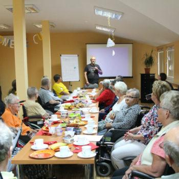Modlitwa, muzyka, taniec, ks. Jan Kaczkowski i Puck z opowiadań Gości Specjalnych