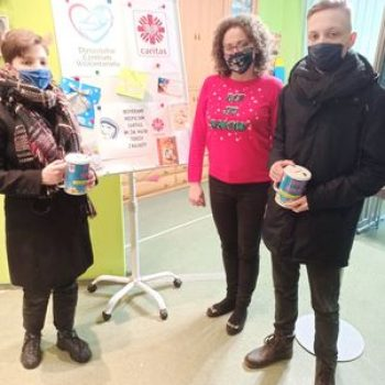 Uczniowie z Bęczkowa pomagają naszemu Hospicjum